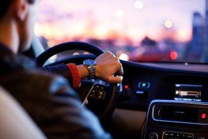 Assicurazioni auto uomini