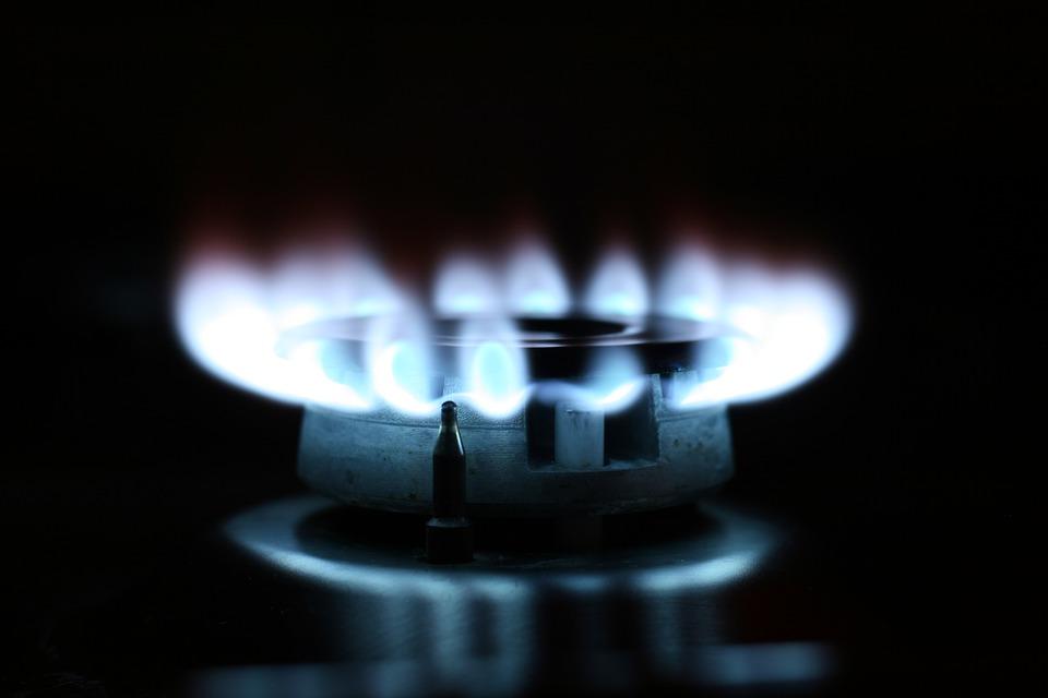 Bollette energia, da luglio obbligatorio cambiare gestore: come evitare aumenti